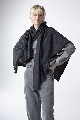 Poncho Penda / Wool-Viscose Blend with Cashmere